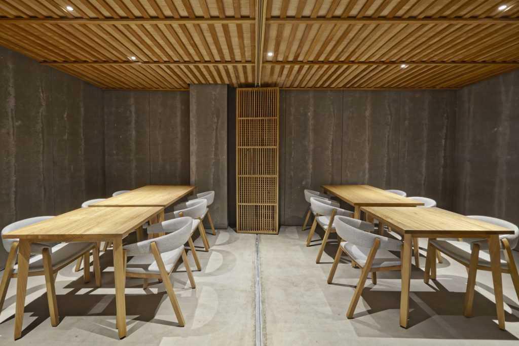 Nozomi Sushi Bar in Valencia Photography: David Rodríguez y Carlos Huecas for Cualiti Photo Studio