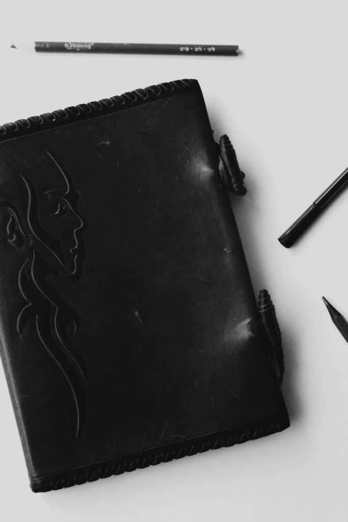 """Leather agenda """"Cuaderno Rostro"""" by Taller de corioplastia La Güella"""